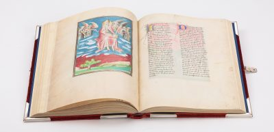 open book showing trumping angels, from The Morgan Library & Museum in New York, MS M.133; Paris, around 1410
